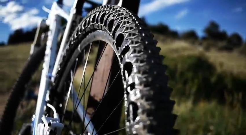 ERW - Airless Bicycle Tires Ob_09a0e2ba683845dfba4220a9c0f864a5_pneu-vtt-sans-chambre-7