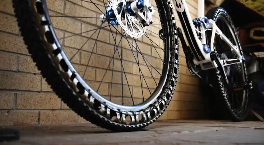 airless bicycle tires pneu vtt sans air actu du vtt gps. Black Bedroom Furniture Sets. Home Design Ideas